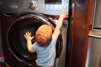 https://cf.ltkcdn.net/kids/images/slide/191359-850x567-boy-reaching-for-button.jpg