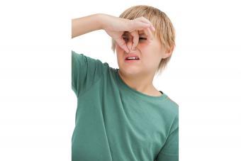 https://cf.ltkcdn.net/kids/images/slide/191367-850x567-boy-holding-nose.jpg