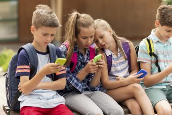 Students with smartphones