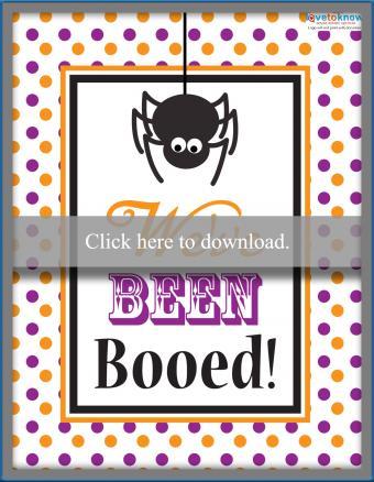 Halloween boo spider sign
