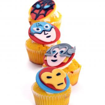 https://cf.ltkcdn.net/kids/images/slide/241229-850x850-superhero-cupcakes.jpg