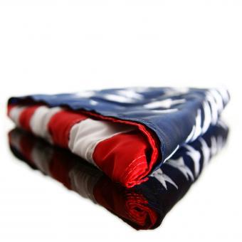 https://cf.ltkcdn.net/kids/images/slide/242409-850x850-folded-flag.jpg