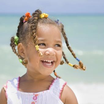 https://cf.ltkcdn.net/kids/images/slide/242465-850x850-beach-girl.jpg