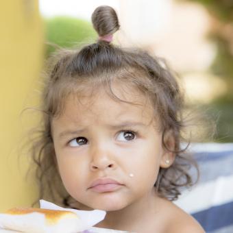 https://cf.ltkcdn.net/kids/images/slide/242488-850x850-high-ponytail.jpg