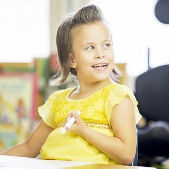 https://cf.ltkcdn.net/kids/images/slide/242736-850x850-girl-in-yellow.jpg