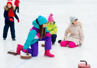 https://cf.ltkcdn.net/kids/images/slide/256232-850x595-10_Curling.jpg
