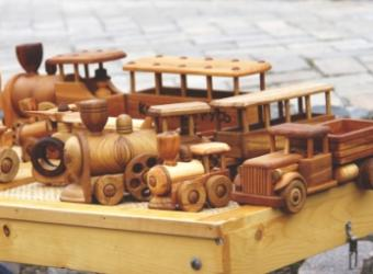 DIY Tips for Handmade Wooden Toys That Move