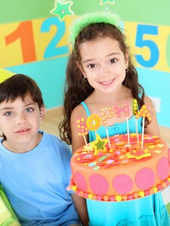 Creating a Simple Children's Birthday Cake