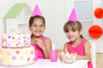 https://cf.ltkcdn.net/kids/images/slide/91904-849x565-kids-cake20.jpg
