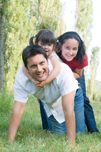 https://cf.ltkcdn.net/kids/images/slide/91915-565x850-positive-parenting2.jpg