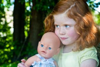 https://cf.ltkcdn.net/kids/images/slide/91985-847x567-happy-doll-kid.jpg