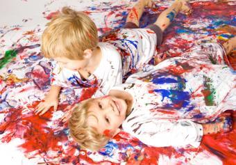 https://cf.ltkcdn.net/kids/images/slide/91990-830x578-happy-art-kids.jpg