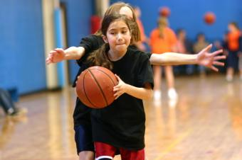 https://cf.ltkcdn.net/kids/images/slide/92022-849x565-basketball.jpg