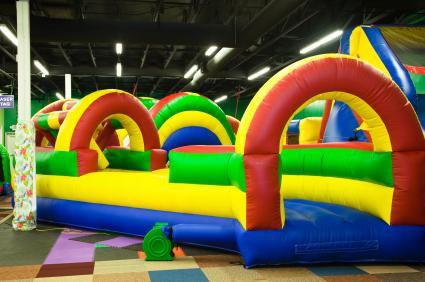 Kids 39 birthday party places lovetoknow for Indoor party places for kids