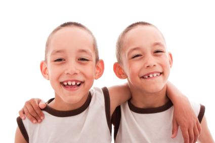 Six Tips for Parenting Identical Twins | LoveToKnow