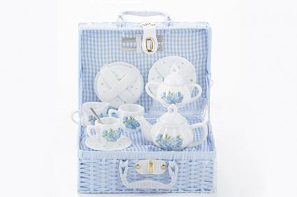 Delton Child's Porcelain Tea Set for 2 in Wicker Basket Hydrangea