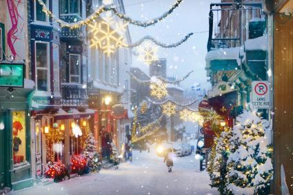 Quebec Christmas street decorations
