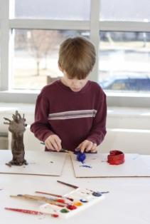Kids' art projects are lots of fun for kids and parents to do together!