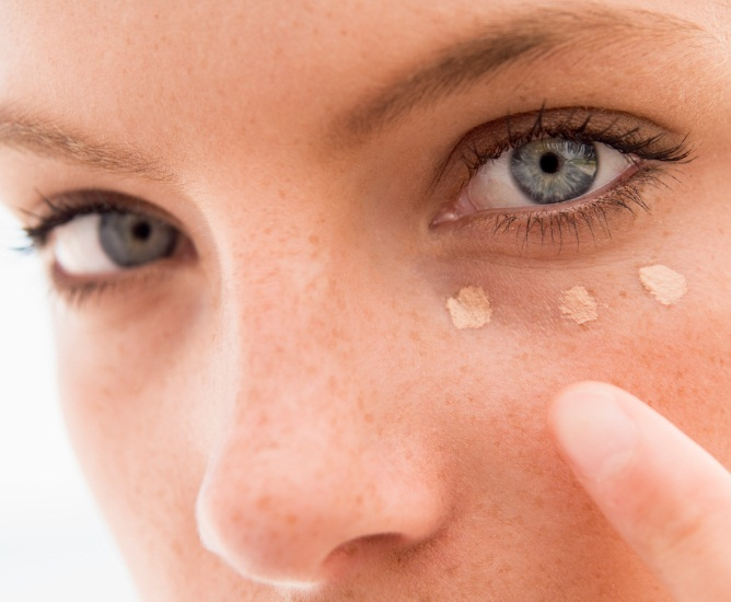 applying-concealer.jpg