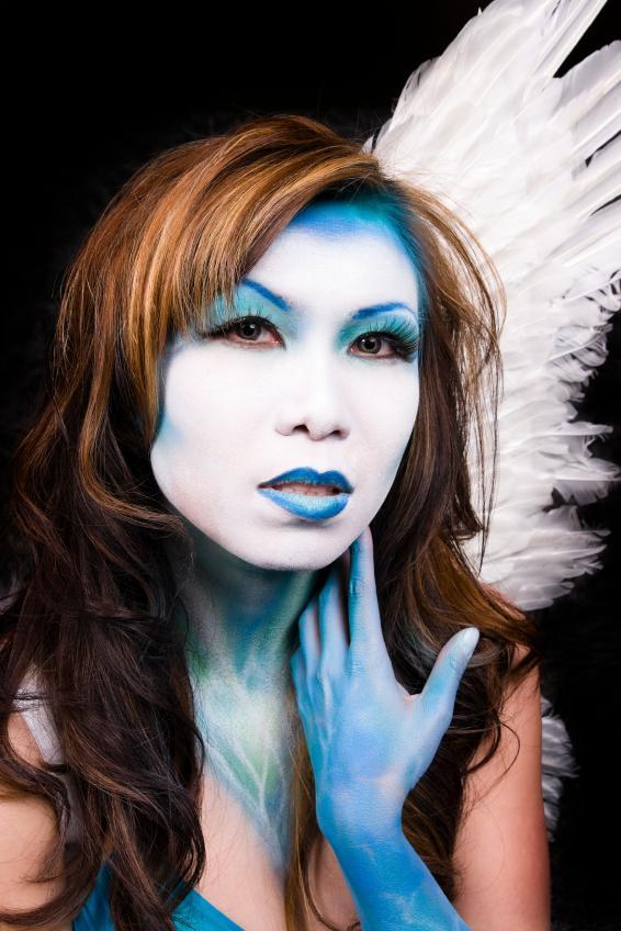 https://cf.ltkcdn.net/makeup/images/slide/131931-566x848r2-fantasy-makeup6.jpg