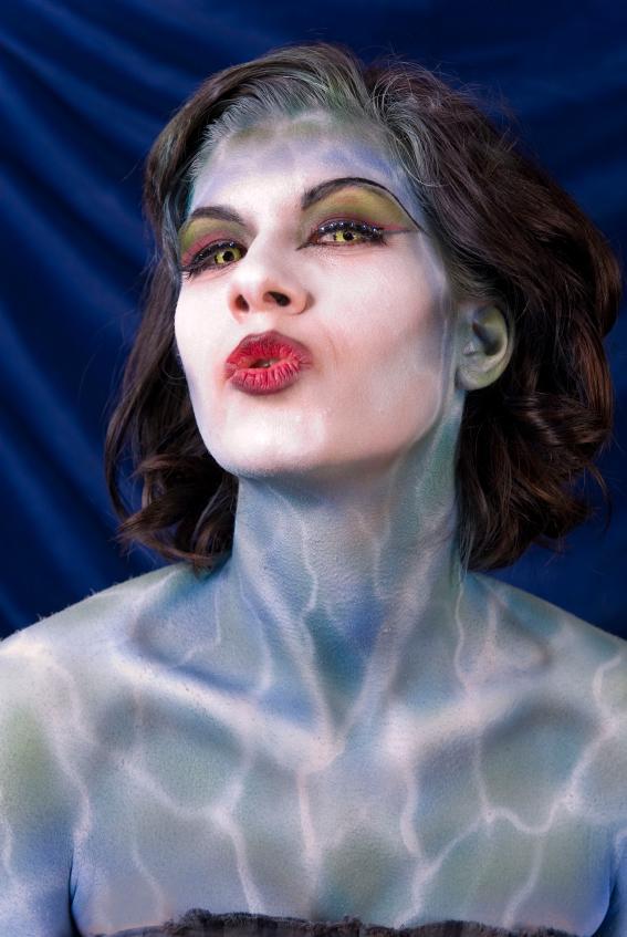 https://cf.ltkcdn.net/makeup/images/slide/131935-567x847r2-fantasy-makeup7.jpg