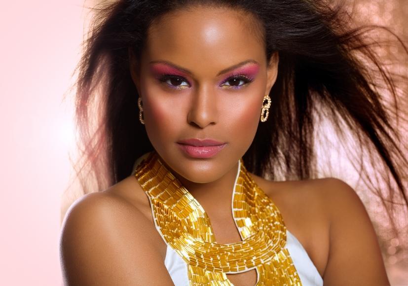 https://cf.ltkcdn.net/makeup/images/slide/148814-827x580r1-exotic-glamor-makeup.jpg