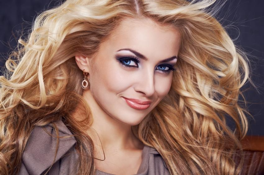 https://cf.ltkcdn.net/makeup/images/slide/148855-849x565r1-flawless-skin.jpg
