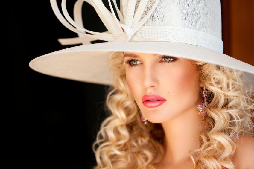https://cf.ltkcdn.net/makeup/images/slide/148859-849x565r1-glossy-lips.jpg