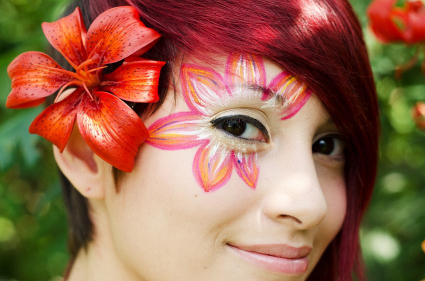 https://cf.ltkcdn.net/makeup/images/slide/166701-850x562-lily.jpg