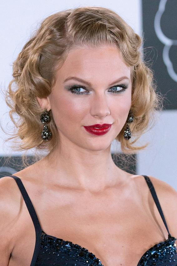 https://cf.ltkcdn.net/makeup/images/slide/184553-566x850-taylor-swift-2b.jpg