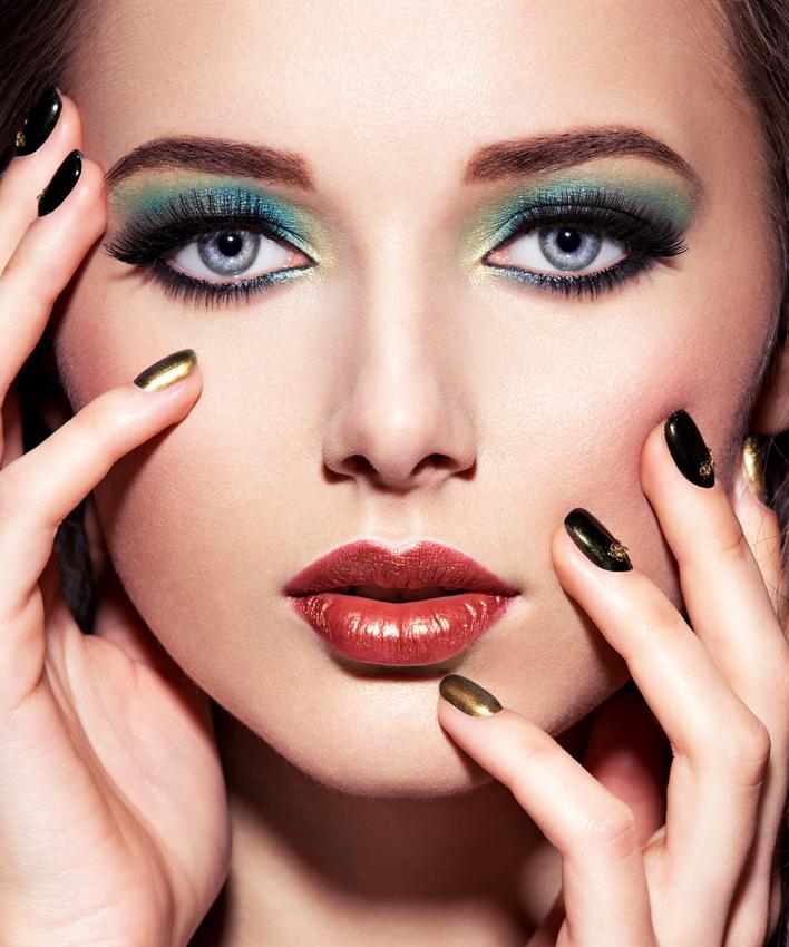 https://cf.ltkcdn.net/makeup/images/slide/197084-708x850-eyes01_primarycrop.jpg