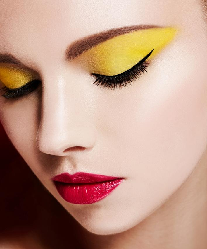 Resultado de imagen de yellow eyes make up