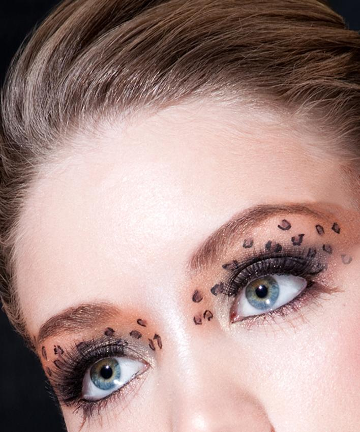 https://cf.ltkcdn.net/makeup/images/slide/197092-708x850-eyes08_patterncrop.jpg