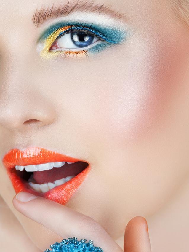 https://cf.ltkcdn.net/makeup/images/slide/199345-638x850-makeup5_lippycrop.jpg