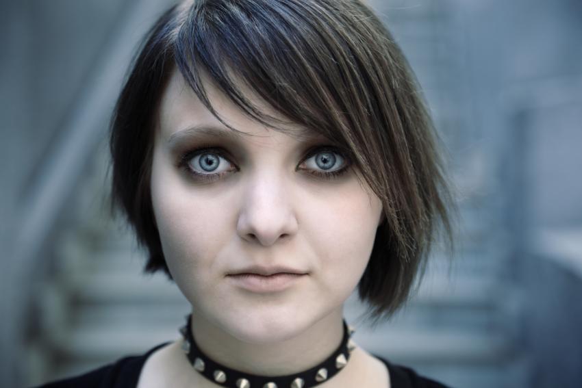 https://cf.ltkcdn.net/makeup/images/slide/213541-850x567-Gothic-girl.jpg