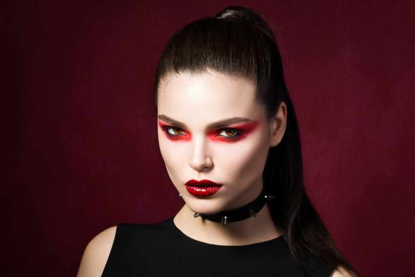 Gothic Makeup Pictures | LoveToKnow
