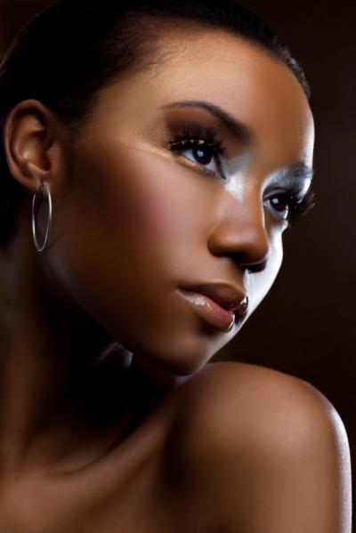 https://cf.ltkcdn.net/makeup/images/slide/87608-400x599-iStock_000008477290Small.jpg