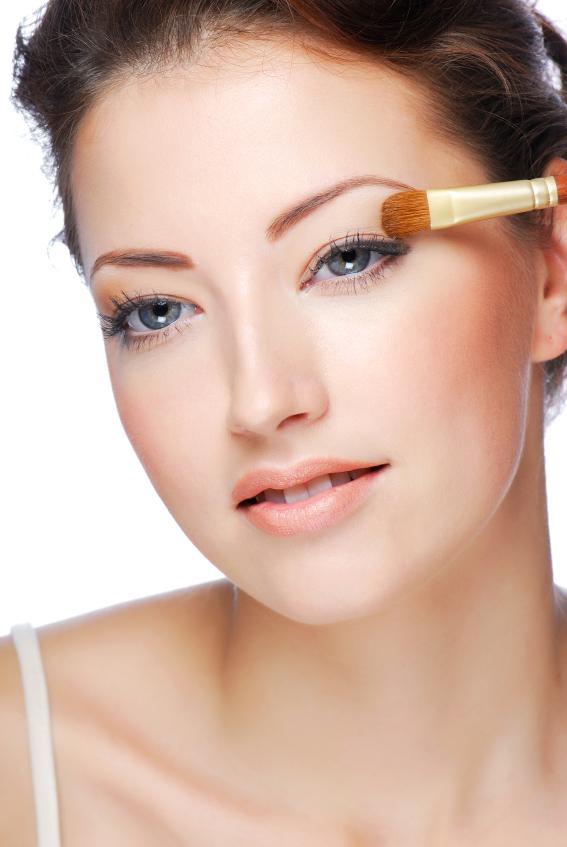 https://cf.ltkcdn.net/makeup/images/slide/87655-567x847-iStock_000008521027Small%5B1%5D.jpg