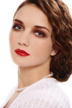 https://cf.ltkcdn.net/makeup/images/slide/87880-283x424-iStock_000009523875XSmall.jpg