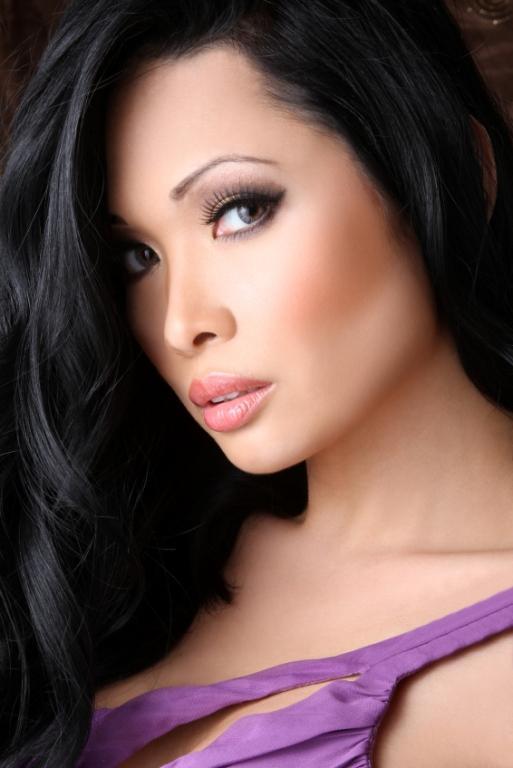 https://cf.ltkcdn.net/makeup/images/slide/87909-513x768-Pink_lipstick7.jpg