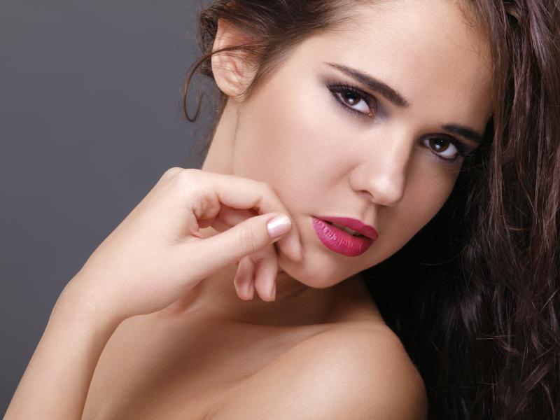 https://cf.ltkcdn.net/makeup/images/slide/87910-800x600-Pink_lipstick8.jpg