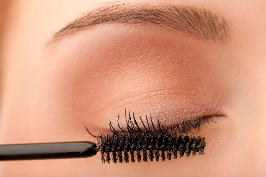 https://cf.ltkcdn.net/makeup/images/slide/87926-849x565-eyeshadow5.jpg