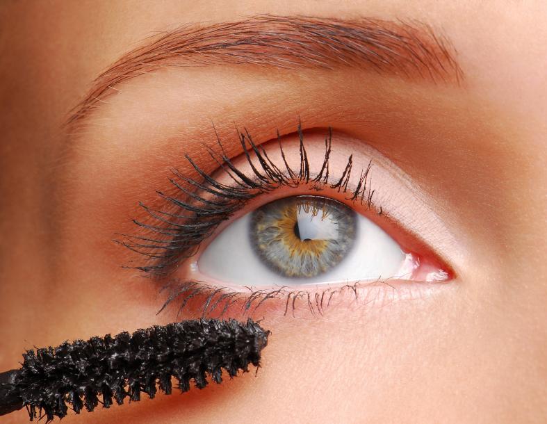 https://cf.ltkcdn.net/makeup/images/slide/87927-787x610-eyeshadow6.jpg