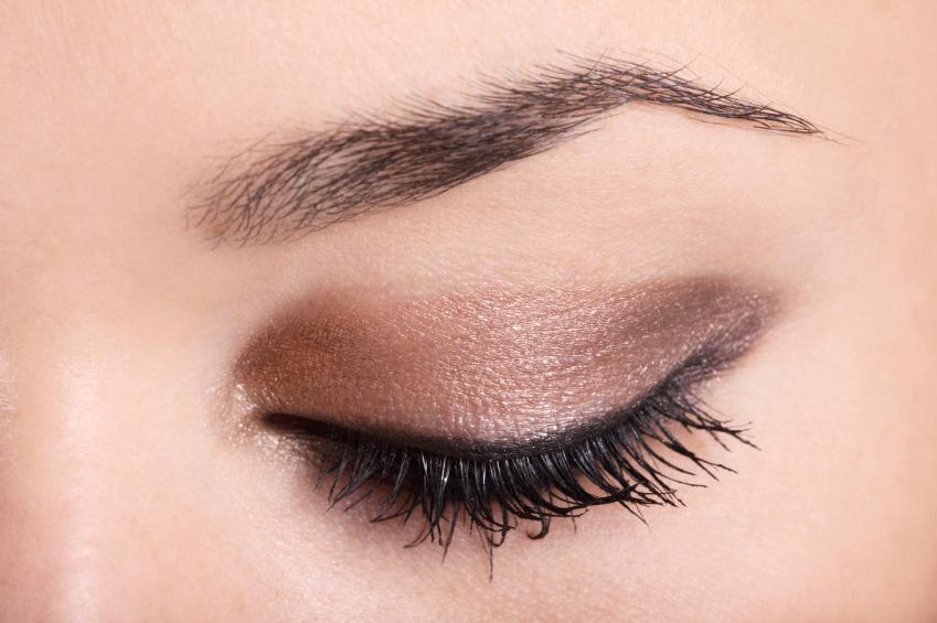 https://cf.ltkcdn.net/makeup/images/slide/87928-849x565-eyeshadow7.jpg