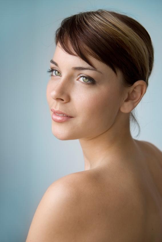https://cf.ltkcdn.net/makeup/images/slide/87964-567x847-NeutralMakeup1.jpg
