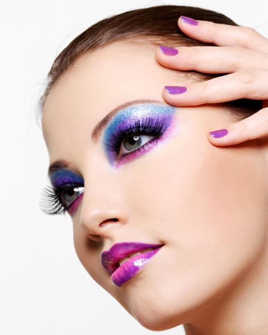 https://cf.ltkcdn.net/makeup/images/slide/87982-546x681-bold3.jpg