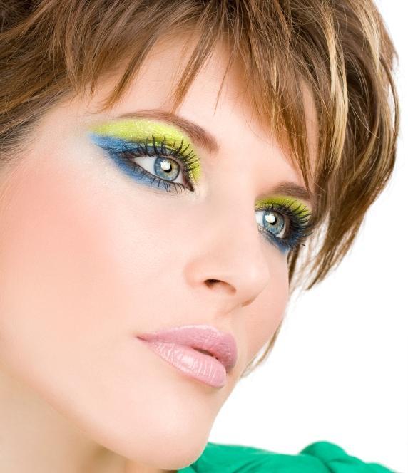 https://cf.ltkcdn.net/makeup/images/slide/87986-572x664-bold8.jpg