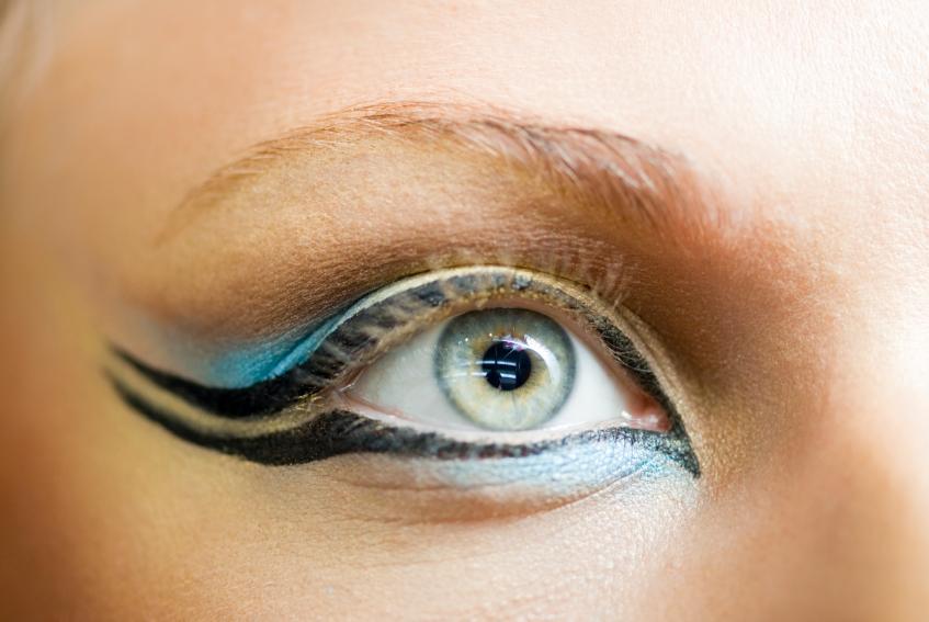 https://cf.ltkcdn.net/makeup/images/slide/87990-847x567-iStock_000005766024Small.jpg