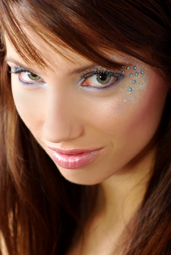 https://cf.ltkcdn.net/makeup/images/slide/87993-567x847-iStock_000004843483Small.jpg