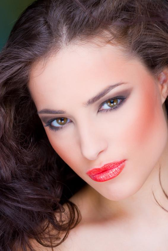https://cf.ltkcdn.net/makeup/images/slide/88023-566x848-iStock_000011186262Small.jpg